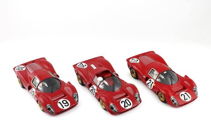 Les 3 Ferrari 330P4 Le Mans 1967 RACER