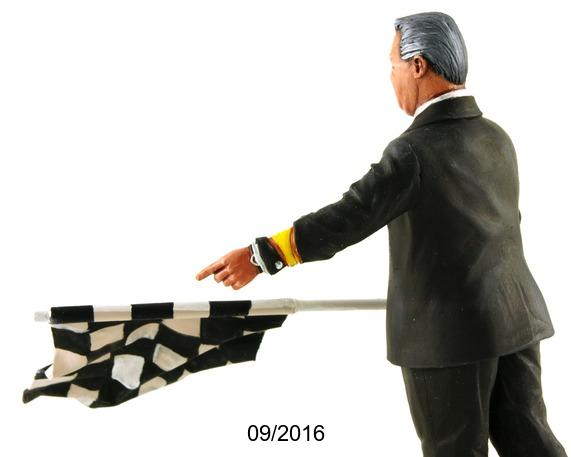 Figurine du directeur de course Echelle 1/18ème