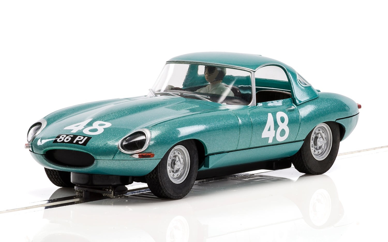 Scalextric : le coffret Legends Jaguar E-type 1963 International Trophy Twin Pack