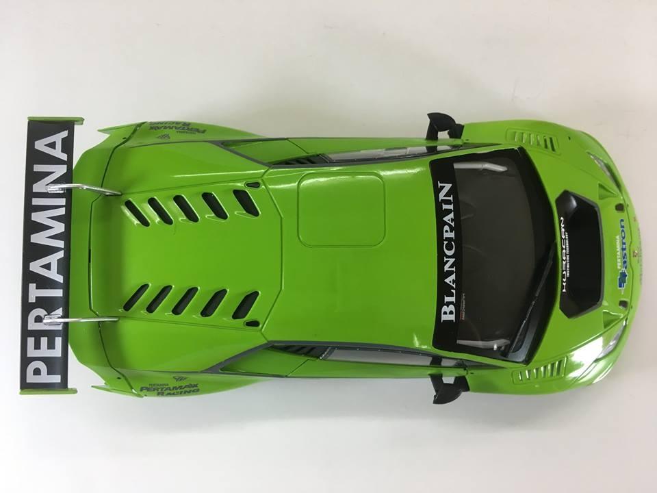 Sideways dévoile sur son réseau social le premier échantillon d'une livrée de la très attendu Lamborghini Huracan GT3 à l'échelle 1/32 référence (swcar01a)