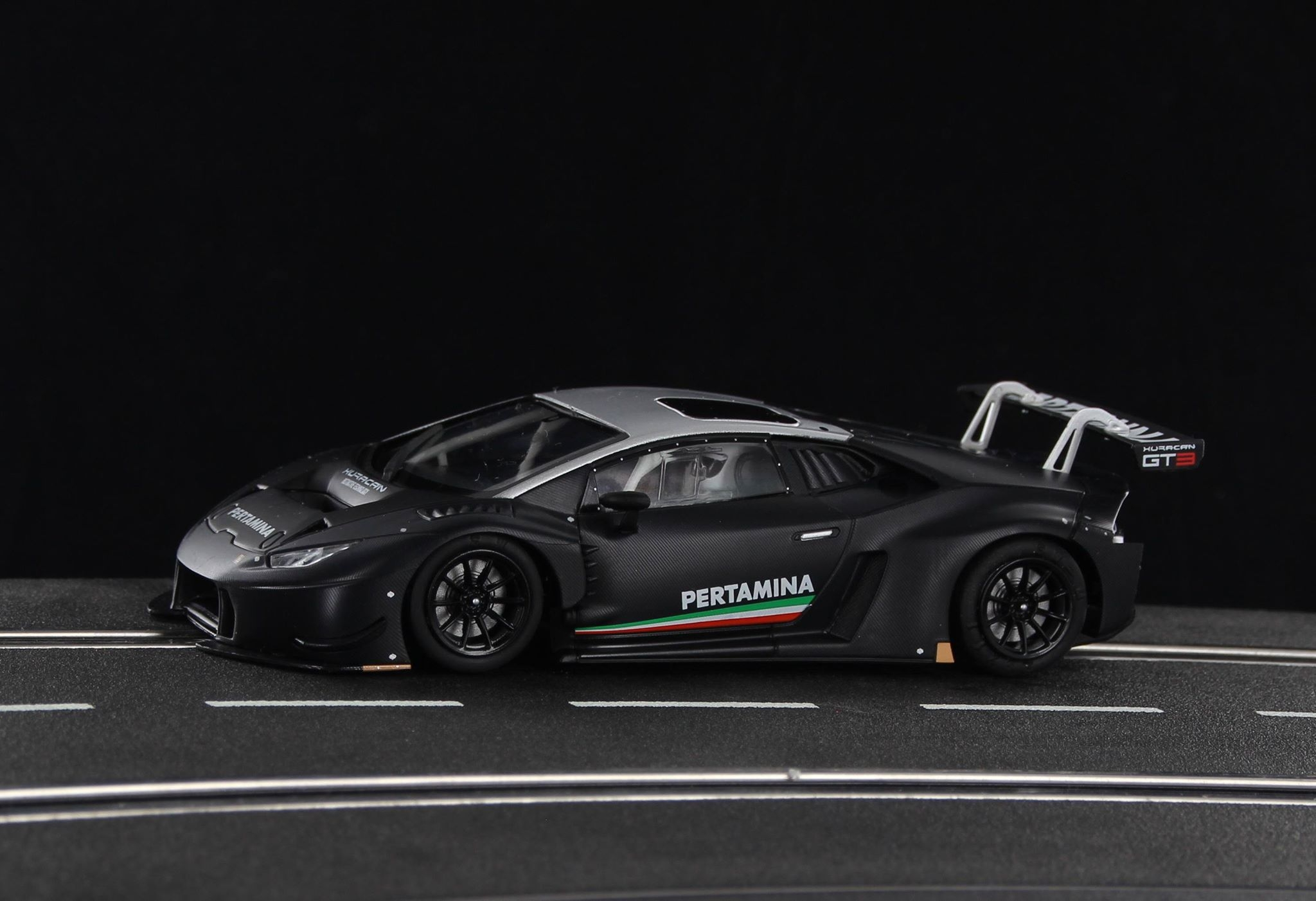 SWCAR01B LB H GT3 Carbon Presentation Official