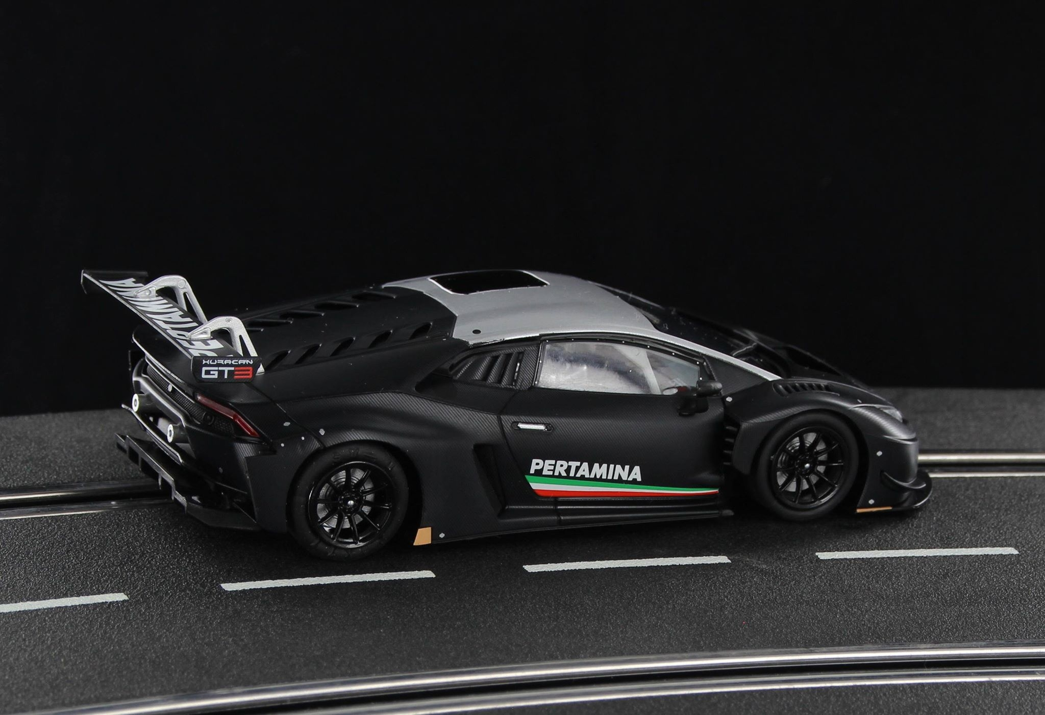 SWCAR01B LB H GT3 Carbon Presentation Official