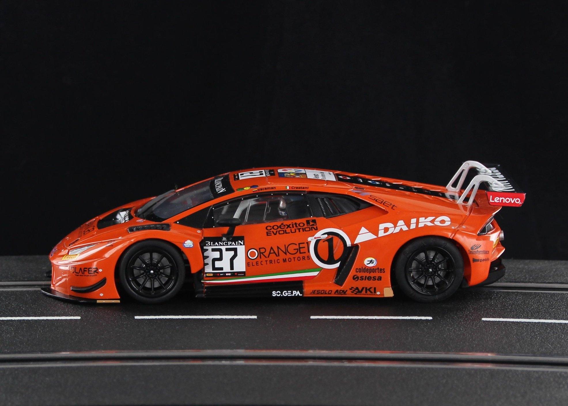Sideways: la Lamborghini Huracan GT3 Team Lazarus Orange SWCAR01D