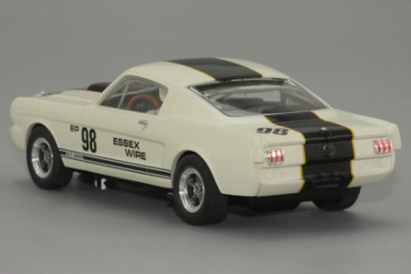 MRRC -  Ford Mustang Shelby GT350R Essex 01