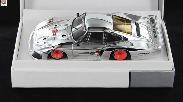 Sideways une Porsche 935 - 78 Chrome Ltd Édition