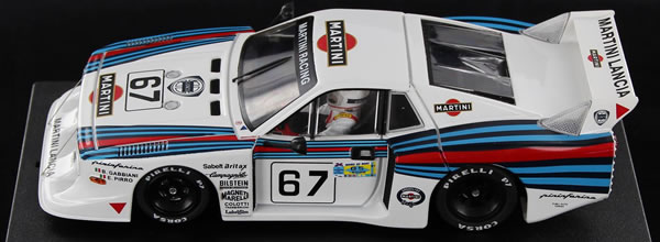 Sideways La Lancia Beta Martini Racing SW22 est disponible