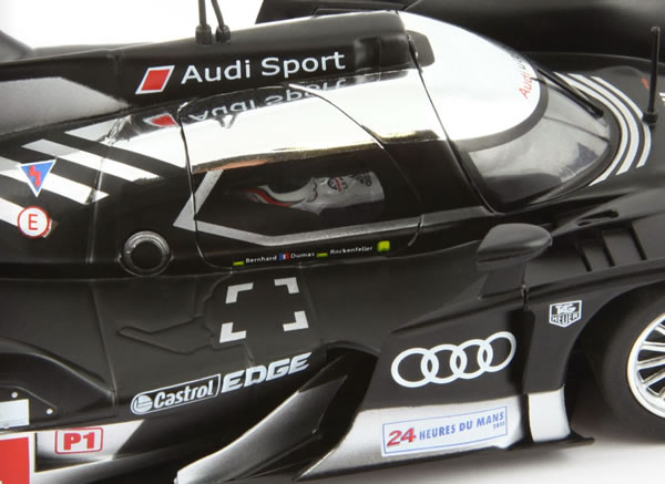 Slot.it L'Audi R18 TDI Le Mans 2011 #1 (CA24B)