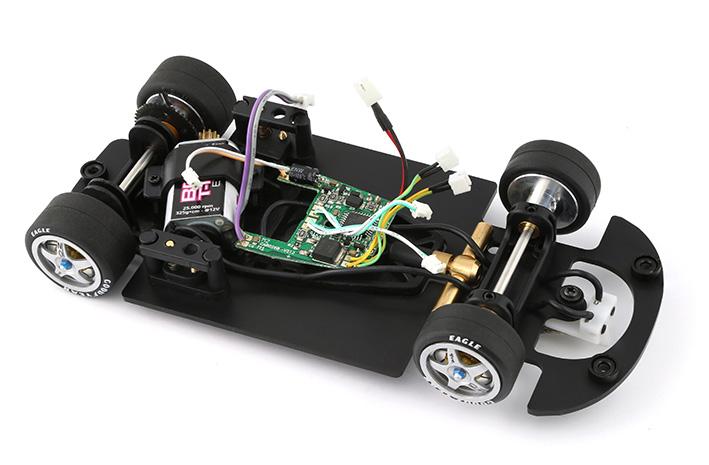 Chassis McLaren BRM avec puce Carrera Digital