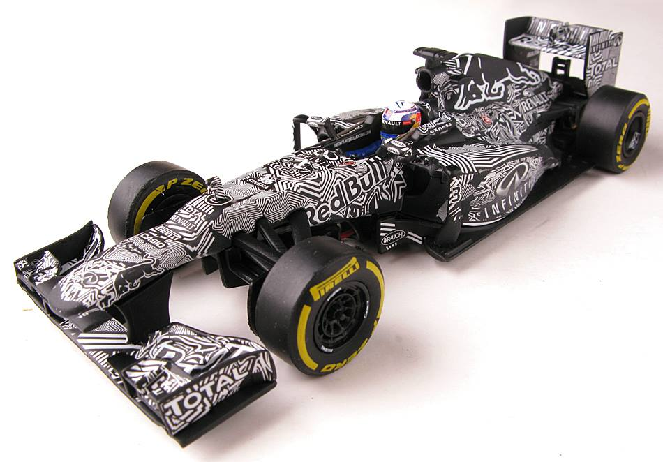"""Carrera D132: la Red Bull """"camo"""" test car 2015."""