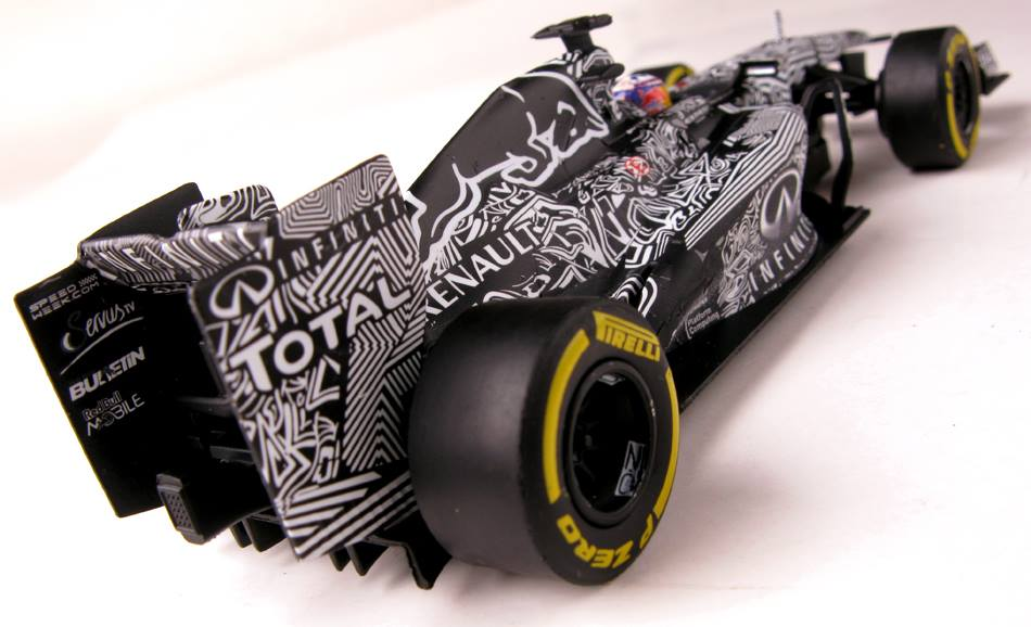 "Carrera D132: la Red Bull ""camo"" test car 2015."