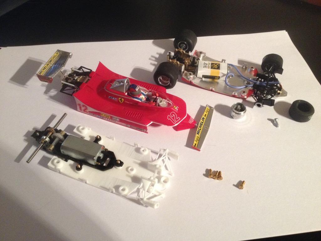 Scratch: Mixer la Ferrari 312 SRC avec la Lotus 72 Policar