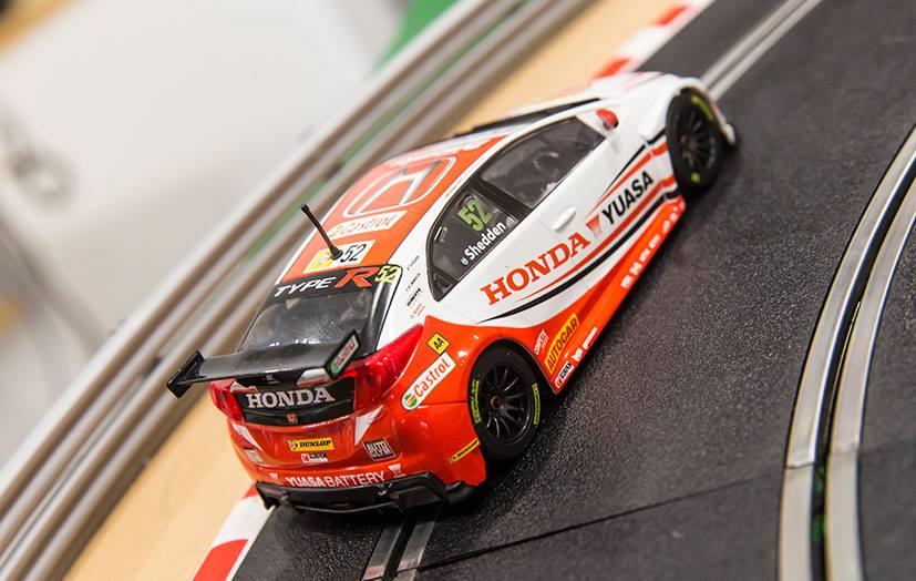Scalextric: des nouvelles photos de la Honda Civic Type R BTTC