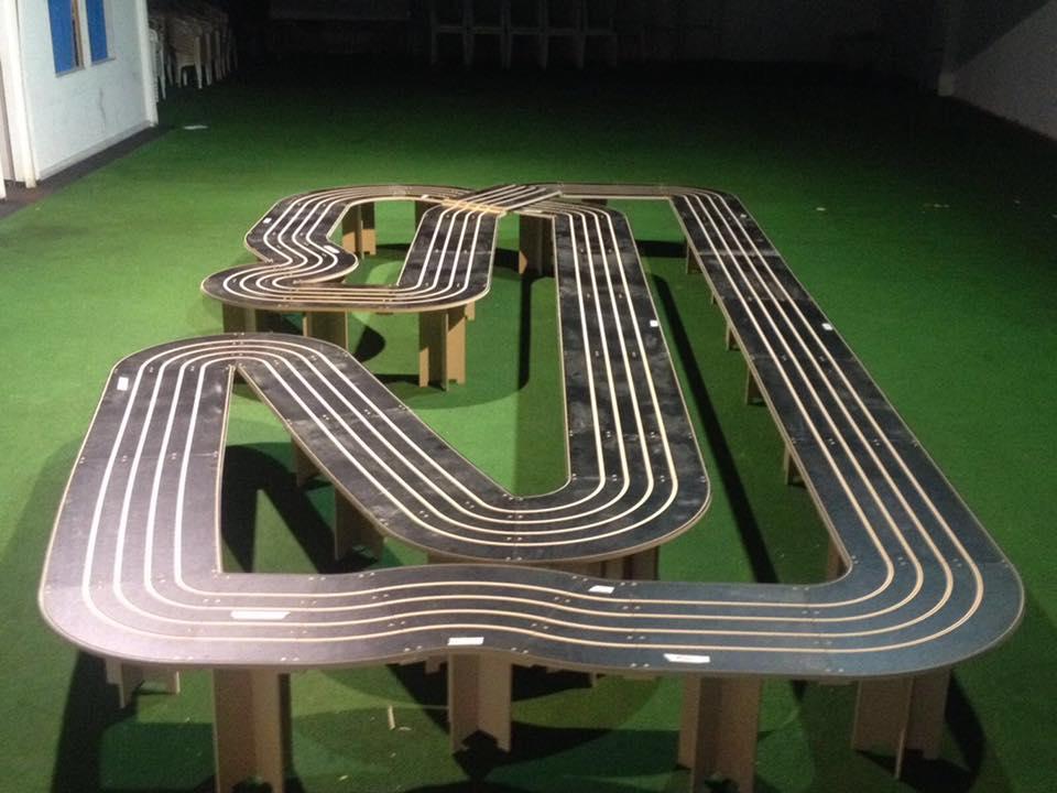 MB Slot: Les photos d'une nouvelle piste de slot racing