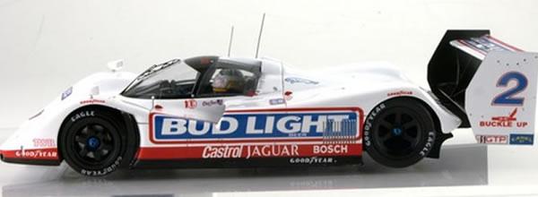 Le Mans miniatures: Deux Jaguar XJR-14 pour le slot racing