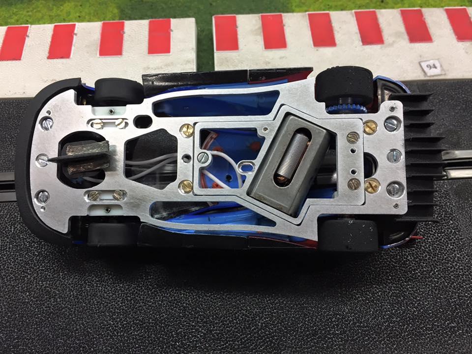 PRS Slot: Un chassis en aluminium pour la Ford GT Carrera