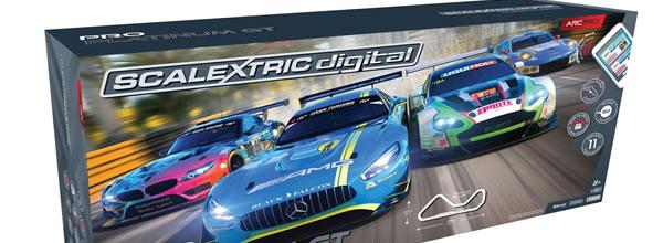 Scalextric: Le Coffret ARC Pro Platinum GT C1374P