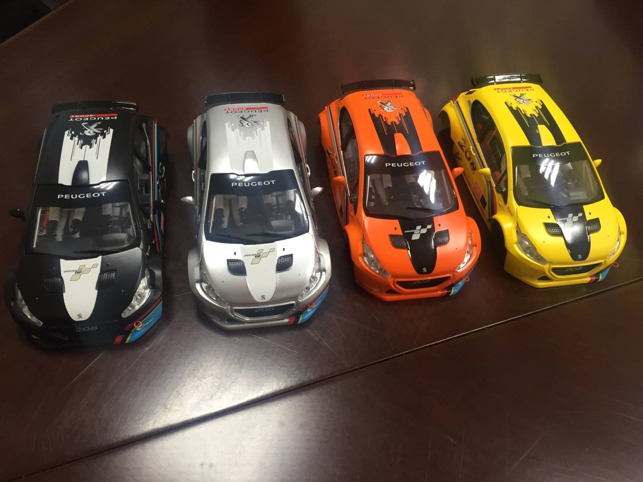 Scaleauto : les Peugeot 208 T16 Cup Editions 1/32