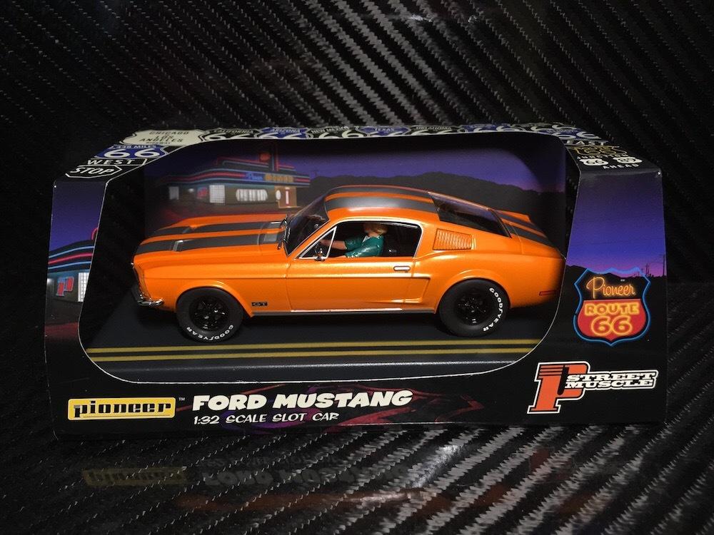 P054 Pioneer Mustang Fastback GT, Solar Orange, « Route 66 »