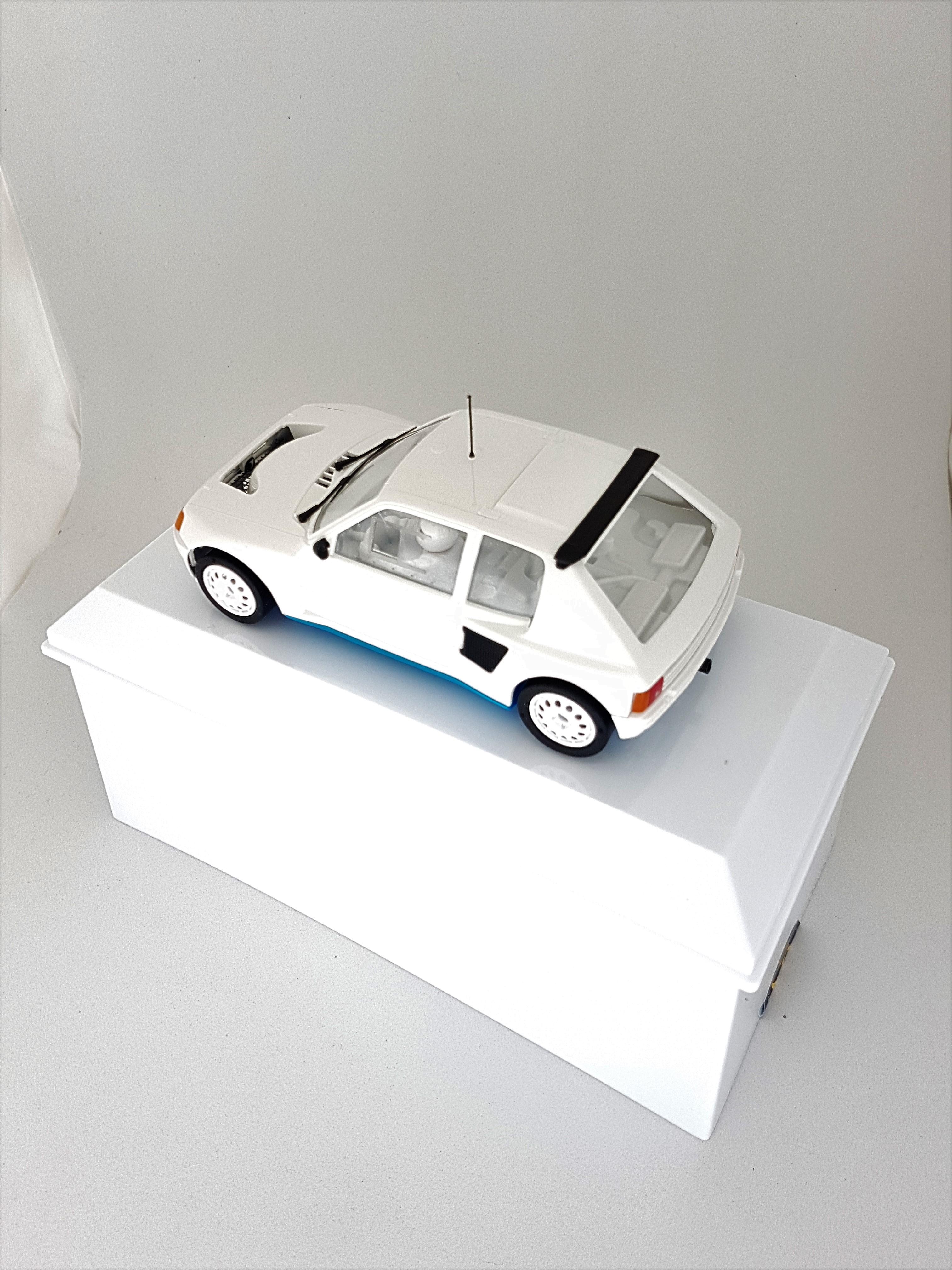 Peugeot 205 T16 « spécial 5ième anniversaire » Chrono