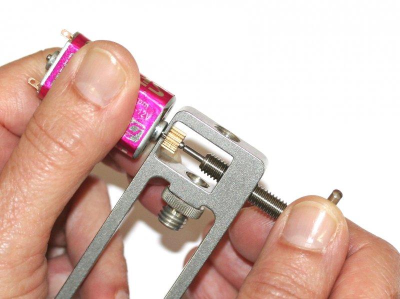 Sloting Plus -Presse et extracteur universel de pignons SP140004