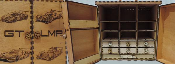 ACME: des superbes valises de transport en bois pour slot cars