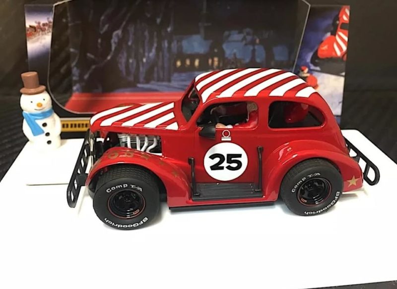 Pioneer Santa Legends Racer '37 Chevy Sedan 'Candy Cane Red' - P080