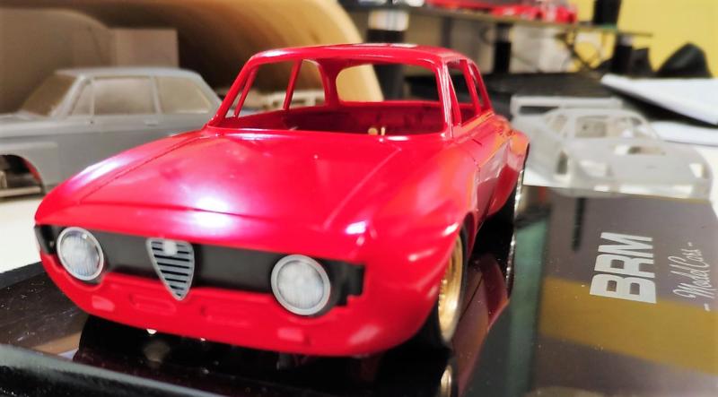 BRM : la marque dévoile l'Alfa Giulia GTA pour le slot racing.