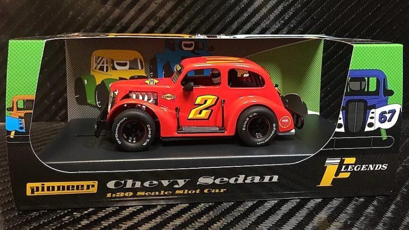 P067 PIONEER LEGENDS RACER '37 CHEVY SEDAN, ROUGE # 2