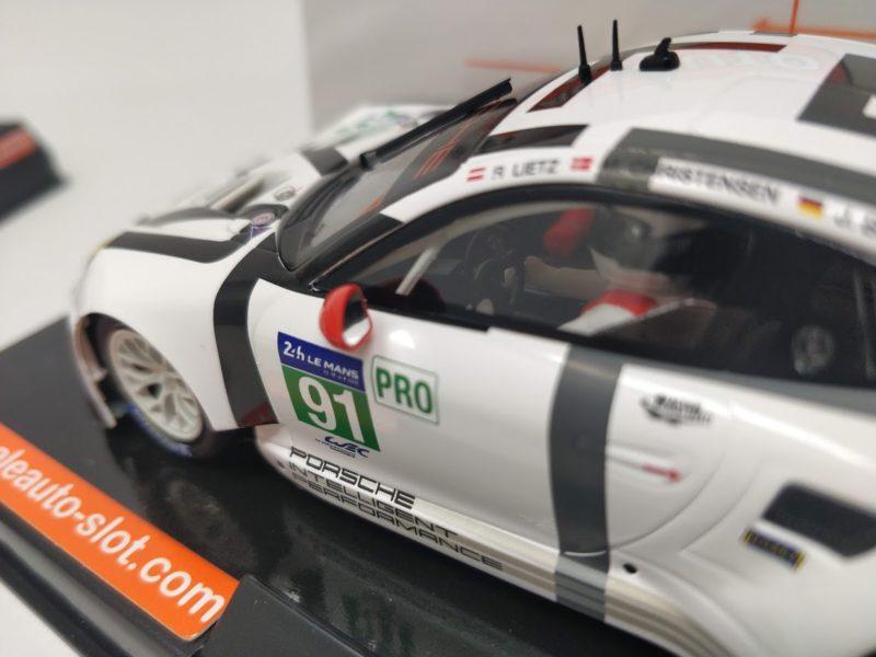 Porsche 911 GT3 RSR du Team Porsche Manthey #91