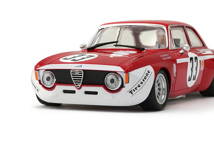 BRM: les photos des trois Alfa GTA 1300 pour le slot racing
