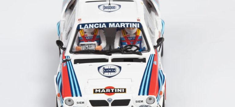 SRC: Les étapes du montage de la Lancia Delta S4