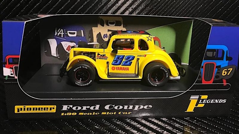 P068 PIONEER LEGENDS RACER '34 FORD COUPE - JAUNE # 52