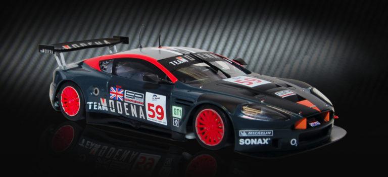 Black Arrow: l' Aston Martin DBR9 Modena version 2020 et des kits.