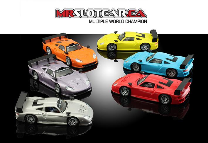 MR Slotcar l'armada de Porsche 911 GT1 Evo pour le slot est disponible.