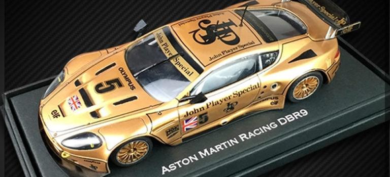 Black Arrow: Trois Kits «JPS» à monter pour l'Aston Martin DBR9
