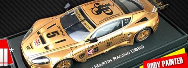 """Black Arrow: Trois Kits """"JPS"""" à monter pour l'Aston Martin DBR9"""