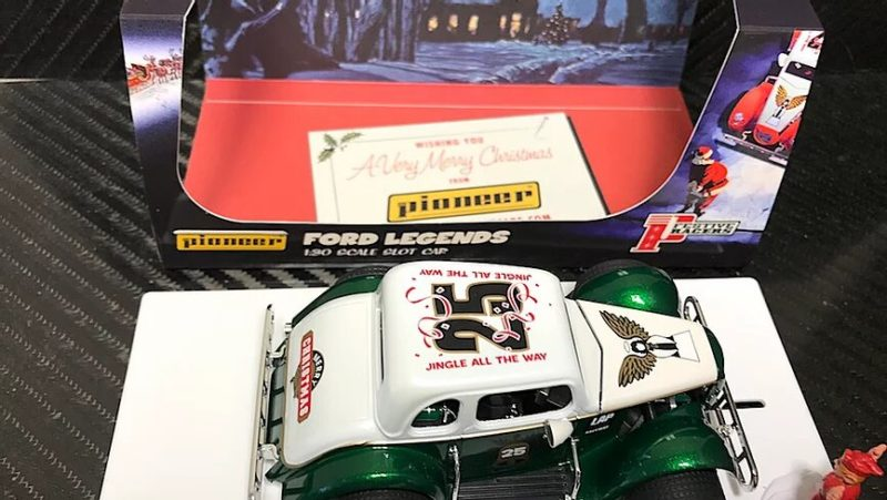 Pioneer-slot - Santa Legends Racer '34 Ford Coupe, 'The Legends of Christmas' P119