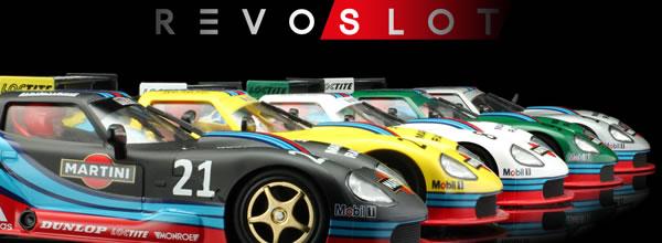 Revoslot: les photos des Marcos LM600 édition Martini Racing et Gulf
