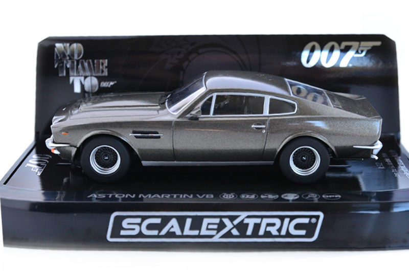 Scalextric l'Aston Martin V8 'No Time To Die' - C4203