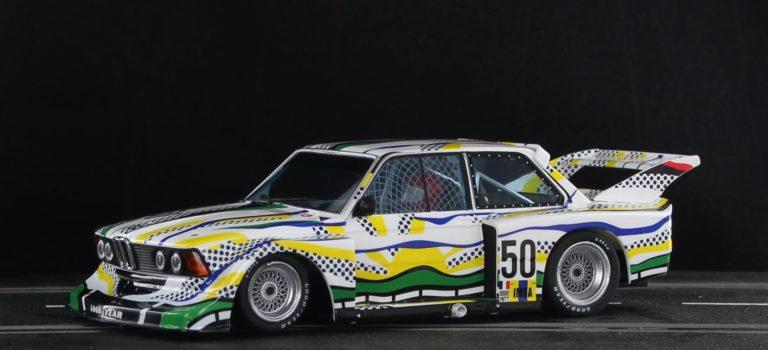 Sideways: La BMW 320 Gr5 24h du Mans 77 – Roy Lichtenstein Art Car – SW72