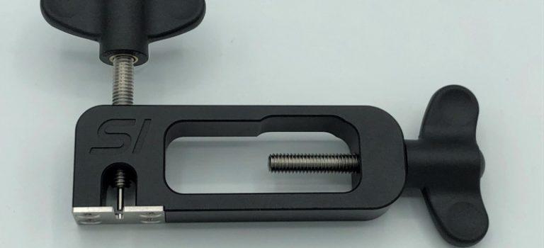 Slotinvasion: un monteur / extracteur de pignon pour slot cars.