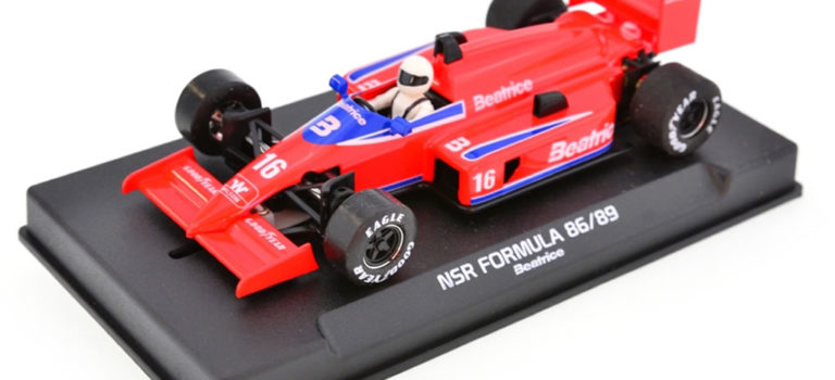 NSR: Les deux F1 86/89 Lola Haas THL2 Beatrice approchent