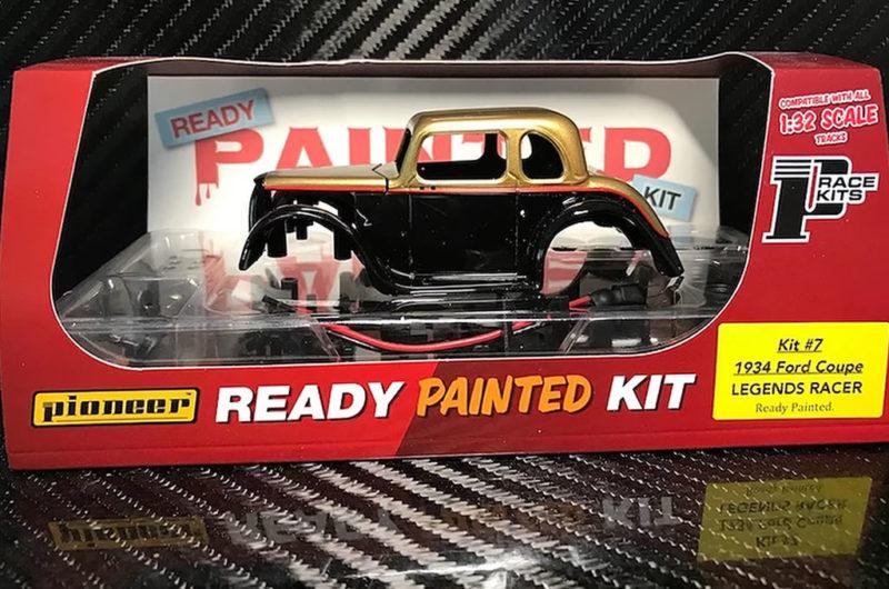 Pioneer Slot Un kit pré peint pour la Ford 34 Coupé Legends Racer