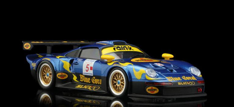 Revoslot: les photos de la Porsche 911 GT1 LM Nr.5 Blue Coral