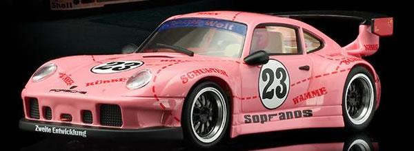 RevoSlot la Porsche 911 GT2 #23 Pink Pig se dévoile