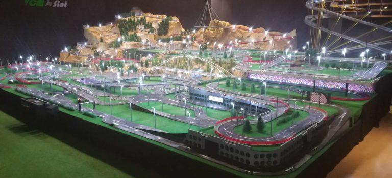 VCM Slot: Le circuit Scalextric le plus grand du monde