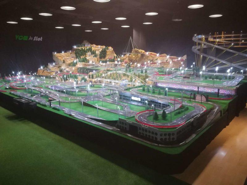 VCM Slot Le circuit Scalextric le plus grand du monde