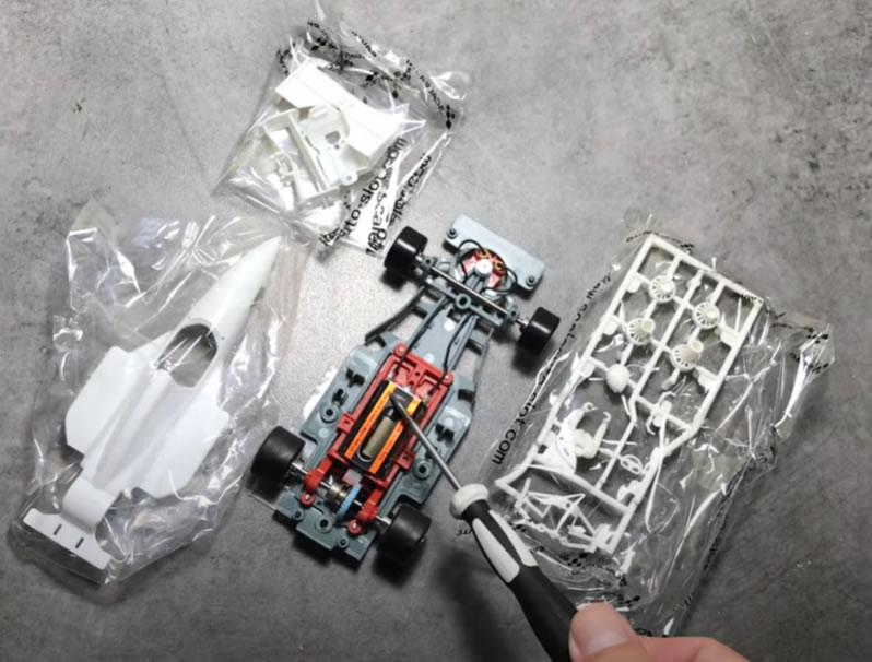 Découvrez le Unboxing de la Formula 90-97 de Scaleauto