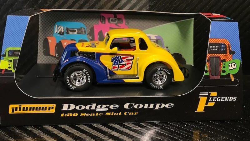 P130 '37 Sunoco #15 Dodge Coupé Legends Racer