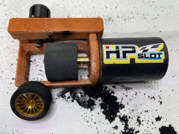 Slotfabrik Un mini tour à pneu pour slot cars